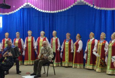 Шарыповский ПНИ с концертной программой посетил народный хор ветеранов.